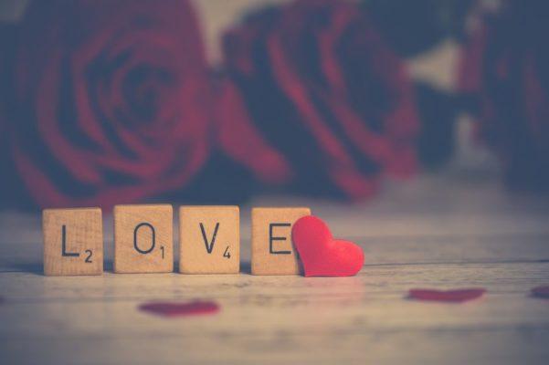 友達関係から、恋人関係へ繋げる最も簡単な方法とは。